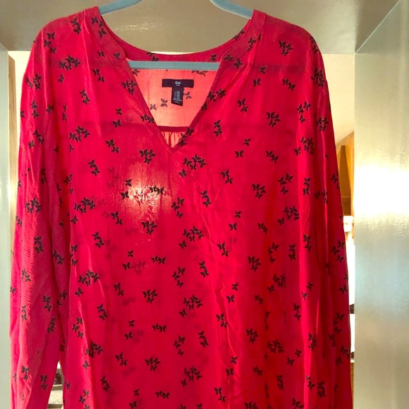 GAP Tops - Gap red butterfly top